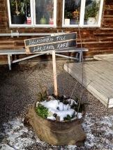 Kom in och ta en värmande fika i vårt kafé. Foto: Susana Krstic