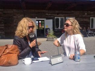 Ylva Nilsson från P4 kollar att allt funkar för sändning. Foto: Susana Krstic