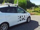 """""""Radiobilen"""" har kört in på grusplan. Foto: Elisabet Abrahamsson"""
