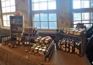 Passa på att inhandla lite gårdsprodukter från Ängås samtidigt som du tar en titt på den gamla Remfabriken i Gårda.