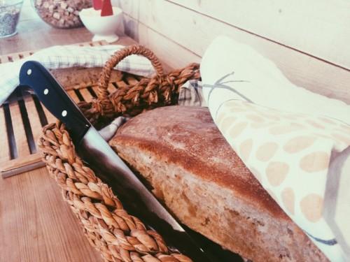 nybakat bröd